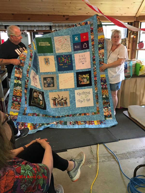 Picture of T-Shirt Quilt with Blocks in Rows
